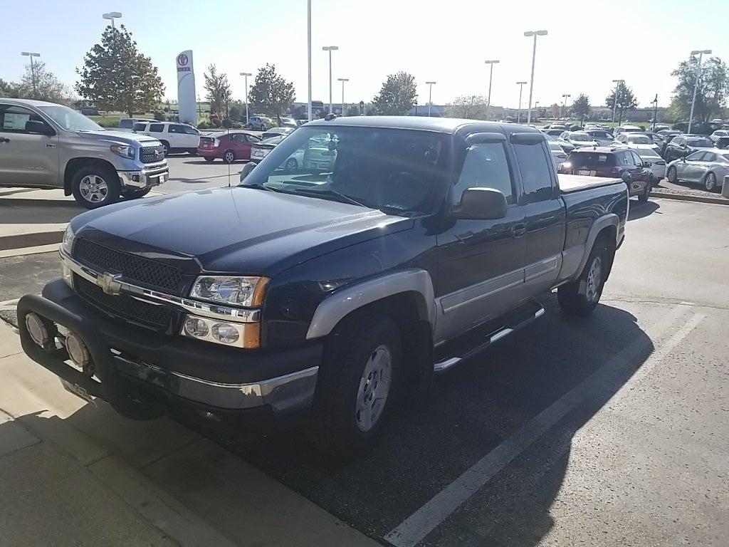 Used 2005 Chevrolet Silverado 1500  with VIN 1GCEK19B25Z182538 for sale in Rochester, Minnesota
