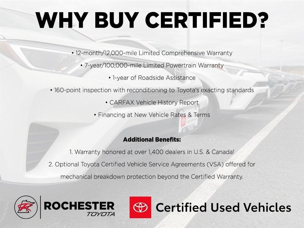Used 2018 Toyota RAV4 XLE with VIN JTMRFREV8JD255360 for sale in Rochester, Minnesota